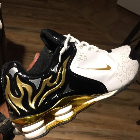 847eec70bbf Nike Shox R4 Torch. M 5b4c3c1cf63eea9b1af966e7